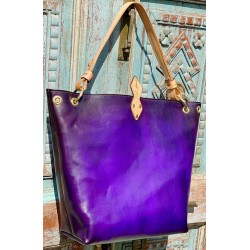"The "" Wendy"" Tote in Purple"